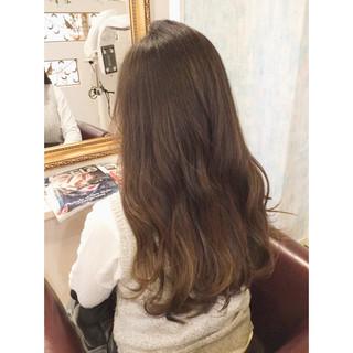 大人かわいい ハイライト 暗髪 アッシュ ヘアスタイルや髪型の写真・画像