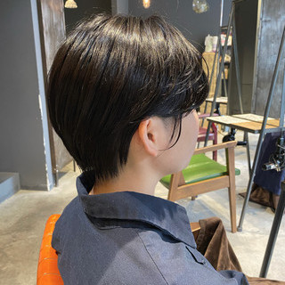ショート アッシュグレージュ ショートヘア oggiotto ヘアスタイルや髪型の写真・画像