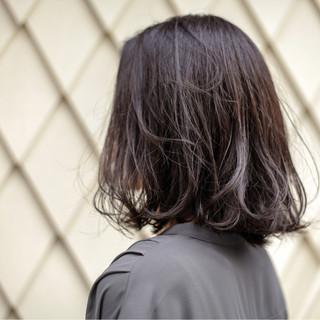 グラデーションカラー ボブ くせ毛風 外ハネ ヘアスタイルや髪型の写真・画像