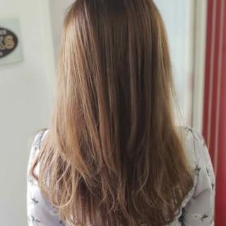 イルミナカラー ナチュラル セミロング ブラウン ヘアスタイルや髪型の写真・画像