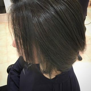 ネイビー モード ショートボブ ネイビージュ ヘアスタイルや髪型の写真・画像