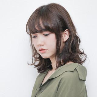 ミディアム ガーリー デート パーマ ヘアスタイルや髪型の写真・画像