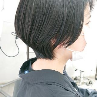 ショートボブ ショート 美シルエット 簡単スタイリング ヘアスタイルや髪型の写真・画像