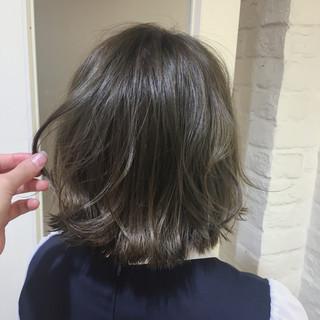 ボブ 秋 オリーブアッシュ 透明感 ヘアスタイルや髪型の写真・画像