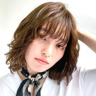 ウェーブ  パーマ ボブウルフ ヘアスタイルや髪型の写真・画像