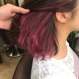 ミディアム インナーカラー ピンク モード ヘアスタイルや髪型の写真・画像