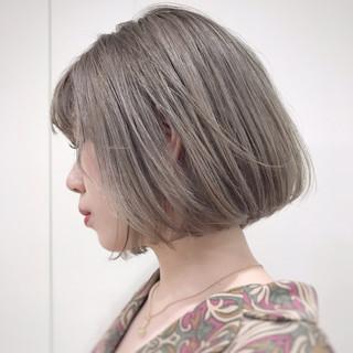 前下がりボブ ショートボブ ミルクティー ナチュラル ヘアスタイルや髪型の写真・画像