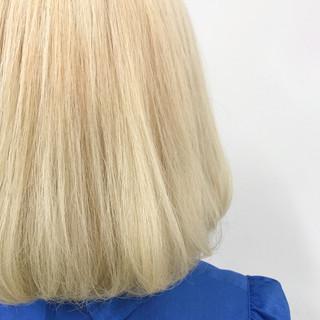 ホワイトアッシュ ストリート ボブ ブリーチ ヘアスタイルや髪型の写真・画像