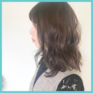 ミディアム 愛され ウェーブ モテ髪 ヘアスタイルや髪型の写真・画像