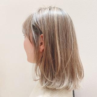 ワンレングス ボブヘアー 切りっぱなしボブ ナチュラル ヘアスタイルや髪型の写真・画像