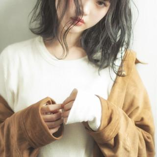 フェミニン 色気 ウェーブ 小顔 ヘアスタイルや髪型の写真・画像