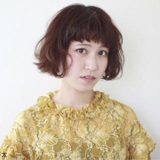 レッド ピンク ボブ 色気 ヘアスタイルや髪型の写真・画像