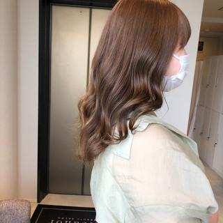 ナチュラルベージュ ブラウンベージュ ベージュ アッシュベージュ ヘアスタイルや髪型の写真・画像
