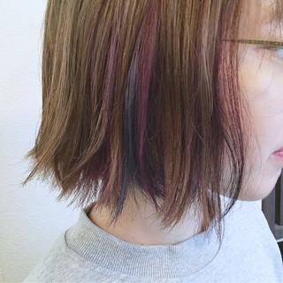 ストリート レッド 大人かわいい インナーカラー ヘアスタイルや髪型の写真・画像