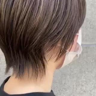 ショートヘア グレージュ マッシュショート 小顔ショート ヘアスタイルや髪型の写真・画像