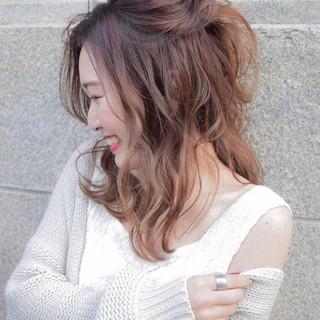 セミロング ヘアアレンジ フェミニン 結婚式 ヘアスタイルや髪型の写真・画像