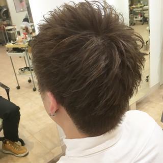 ナチュラル 束感 メンズショート 刈り上げ ヘアスタイルや髪型の写真・画像