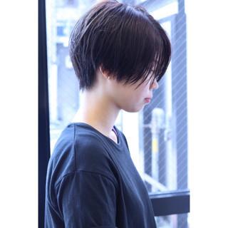 ショート 刈り上げ 抜け感 モード ヘアスタイルや髪型の写真・画像