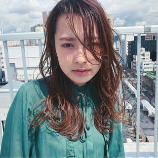 インナーカラー アッシュ ナチュラル ハイライト ヘアスタイルや髪型の写真・画像