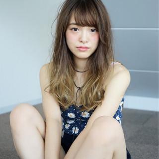 イルミナカラー ロング 艶髪 ガーリー ヘアスタイルや髪型の写真・画像