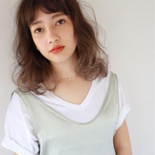 ミディアム ハイライト ニュアンス パーマ ヘアスタイルや髪型の写真・画像