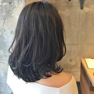 デート パーマ フェミニン セミロング ヘアスタイルや髪型の写真・画像