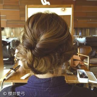 編み込み ロング ヘアアレンジ フェミニン ヘアスタイルや髪型の写真・画像