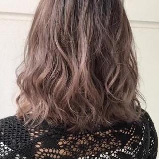 エフォートレス 簡単ヘアアレンジ フェミニン オフィス ヘアスタイルや髪型の写真・画像
