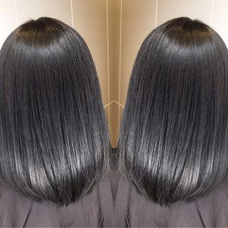 ミディアム オフィス 黒髪 グレージュ ヘアスタイルや髪型の写真・画像