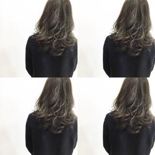 ハイライト 暗髪 ナチュラル ミディアム ヘアスタイルや髪型の写真・画像
