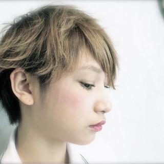 ショート 小顔 ストリート ハイトーン ヘアスタイルや髪型の写真・画像