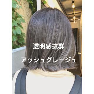 アッシュグレージュ アンニュイほつれヘア ナチュラル グレージュ ヘアスタイルや髪型の写真・画像