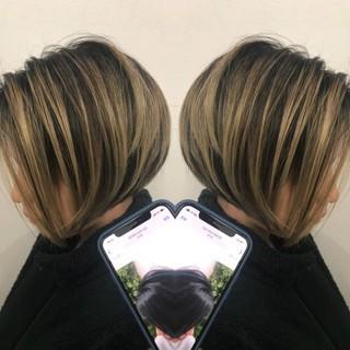 グラデーションカラー 派手髪 セミロング ナチュラル ヘアスタイルや髪型の写真・画像