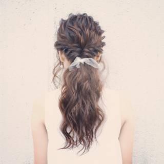 編み込み コンサバ 愛され ヘアアレンジ ヘアスタイルや髪型の写真・画像