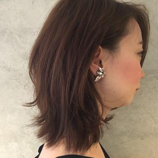 ナチュラル ミディアム アッシュ フェミニン ヘアスタイルや髪型の写真・画像