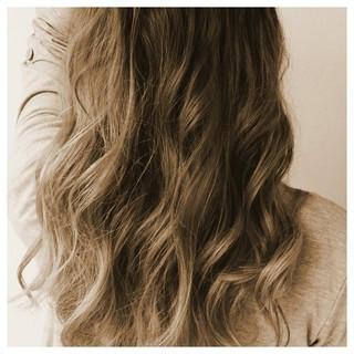 ストリート アッシュ ゆるふわ ハイライト ヘアスタイルや髪型の写真・画像