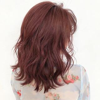 ピンクベージュ ベリーピンク セミロング ピンクアッシュ ヘアスタイルや髪型の写真・画像