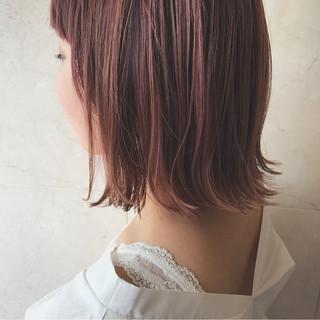 ダブルカラー ピンクアッシュ ボブ ストリート ヘアスタイルや髪型の写真・画像