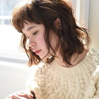 ミディアム デート 外国人風 前髪あり ヘアスタイルや髪型の写真・画像