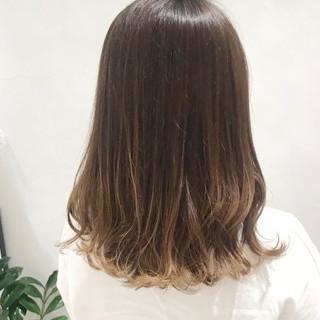 ブラウンベージュ 透明感カラー ベージュ アッシュグレージュ ヘアスタイルや髪型の写真・画像