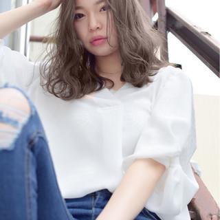 ゆるふわ ウェーブ 外国人風 透明感 ヘアスタイルや髪型の写真・画像