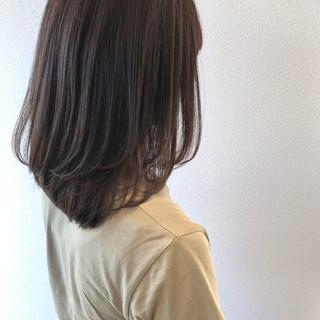 セミロング 秋冬スタイル ストレート ワンカール ヘアスタイルや髪型の写真・画像
