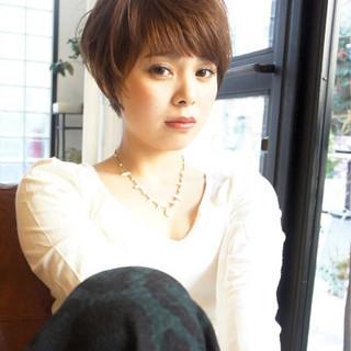 外国人風カラー ショート 大人かわいい 前髪あり ヘアスタイルや髪型の写真・画像