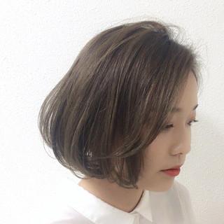 透明感 アッシュ 抜け感 ナチュラル ヘアスタイルや髪型の写真・画像