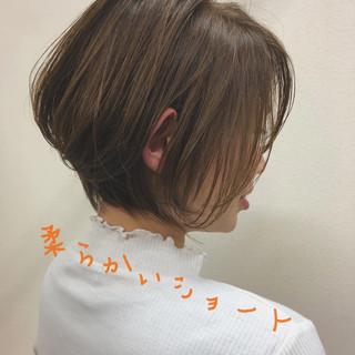 ショートボブ ナチュラル 大人ショート ハンサムショート ヘアスタイルや髪型の写真・画像