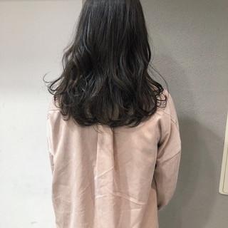ブルージュ ミディアム デート ナチュラル ヘアスタイルや髪型の写真・画像