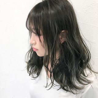 ハイライト アッシュ ミディアム グレージュ ヘアスタイルや髪型の写真・画像