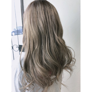 セミロング アッシュ 外国人風カラー グレージュ ヘアスタイルや髪型の写真・画像