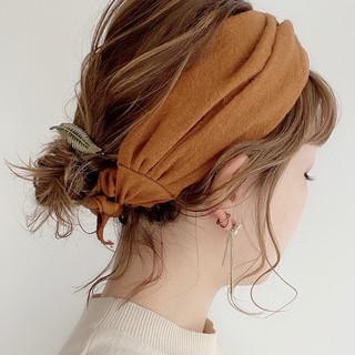 簡単ヘアアレンジ ヘアアレンジ ミディアム ナチュラル ヘアスタイルや髪型の写真・画像