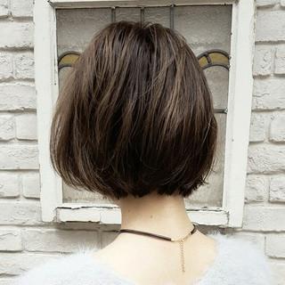 アッシュ 大人かわいい ナチュラル ボブ ヘアスタイルや髪型の写真・画像